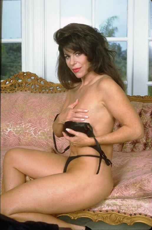 Nude photos of old musculer women